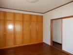 2階奥8帖洋室