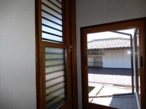 2階バルコニーへの扉